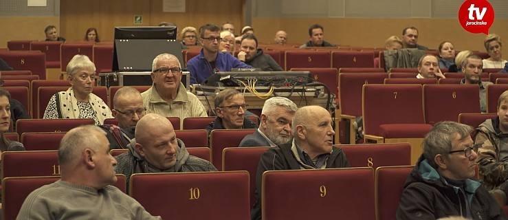 Mieszkańcy i przedsiębiorcy pytają o przebudowę centrum Jarocina. Władze i wykonawca tłumaczą [WIDEO] - Zdjęcie główne