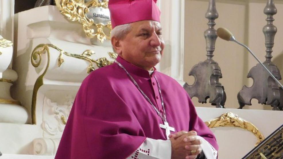 Biskup senior Edward Janiak złamał zakaz, żeby się zaszczepić - Zdjęcie główne
