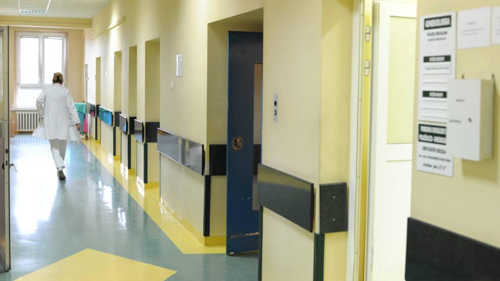 Szpital Powiatowy w Jarocinie poszukuje lekarzy. Zobacz, jakich specjalności  - Zdjęcie główne