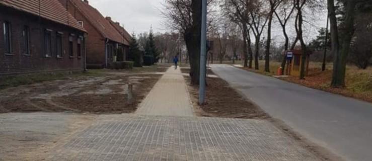 Powiat. Żółków ma ponad pół kilometra nowego chodnika [ZDJĘCIA] - Zdjęcie główne