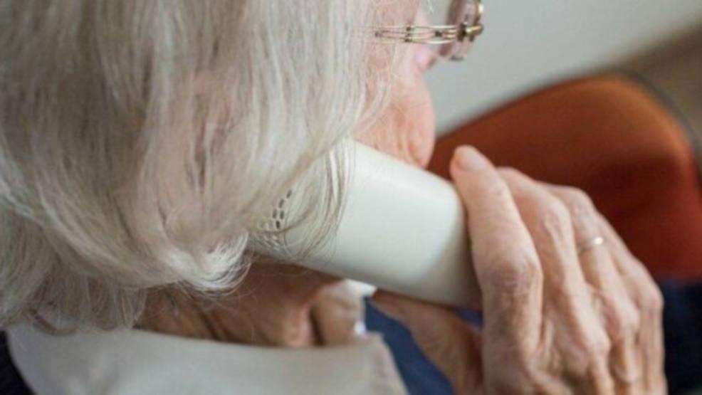 ZUS chce przekonać seniorów do korzystania z kont bankowych. Eksperci będą dyżurowali pod telefonem - Zdjęcie główne