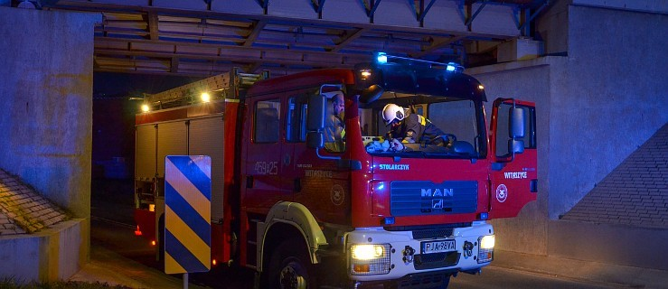 Wypadek, pożary i 10-kilometrowa plama oleju  - Zdjęcie główne