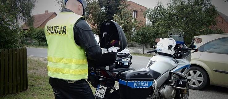 18-latek bez prawa jazdy przewoził dwoje pasażerów. To nie koniec jego listy przewinień  - Zdjęcie główne