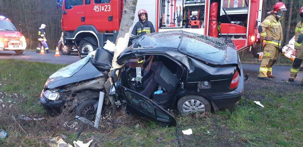 Dwie osoby nie żyją. Dzisiaj obchodzimy Dzień Bezpiecznego Kierowcy    - Zdjęcie główne
