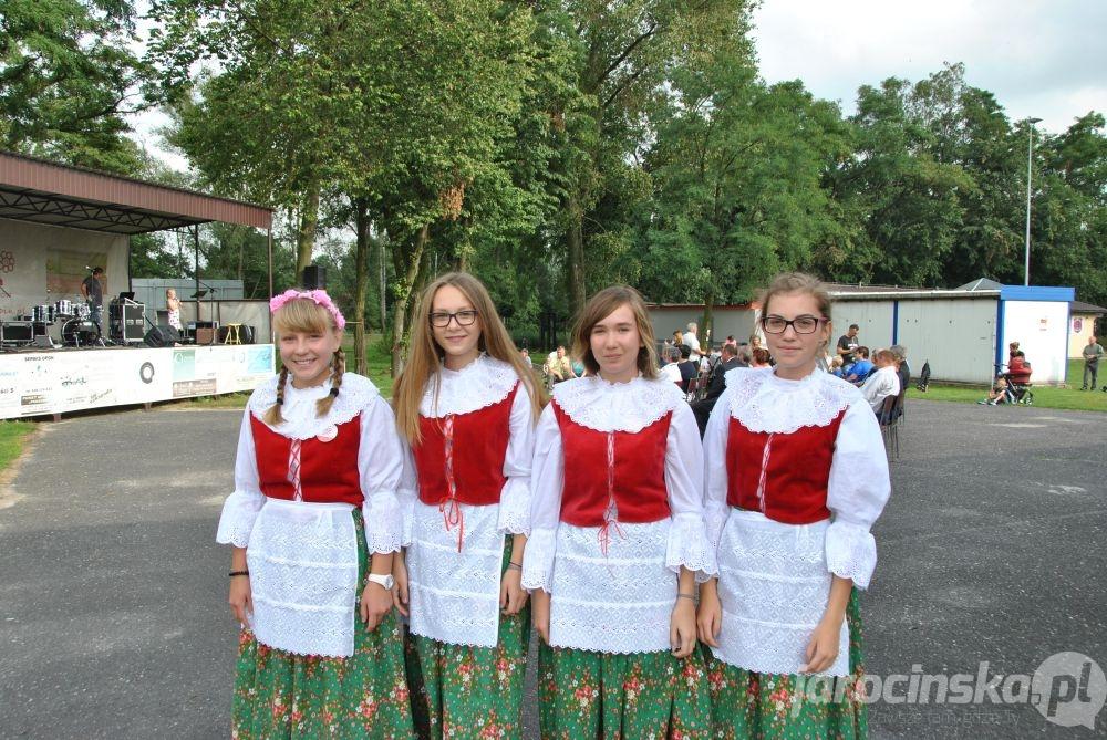Festyn dożynkowy w Golinie - Zdjęcie główne