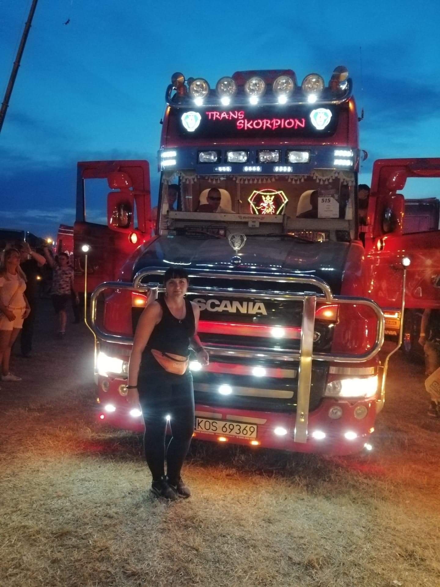 Paulina Bargenda czterdziestotonową ciężarówką jeździ po całej Europie    - Zdjęcie główne