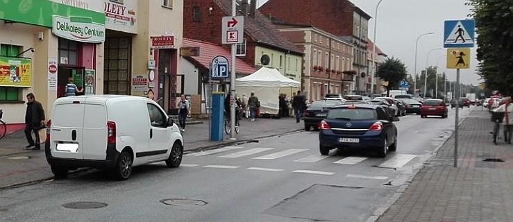 """Czytelnik pokazuje: """"Tak nie wolno pod żadnym pozorem parkować"""" [ZDJĘCIA]  - Zdjęcie główne"""