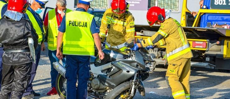 Jeżdżą bez prawa jazdy. Powodują wypadki, również śmiertelne wypadki. Nigdy nie powinno ich być na drodze - Zdjęcie główne
