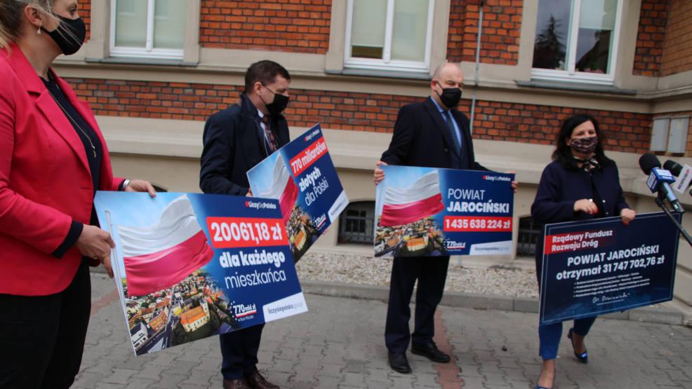 Posłowie PiS-u o unijnych miliardach dla Polskiej gospodarki na spotkaniu w Jarocinie [WIDEO, AKTUALIZACJA] - Zdjęcie główne
