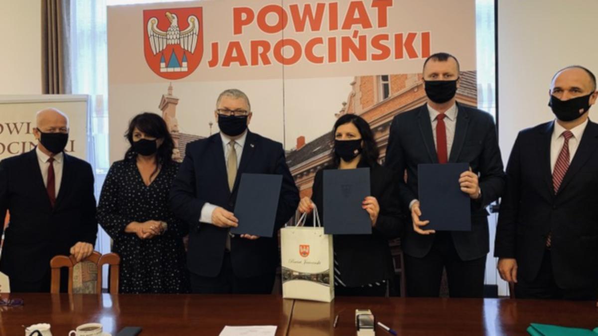 Powiat jarociński. Prawie milion złotych dla naszych szkół średnich - Zdjęcie główne