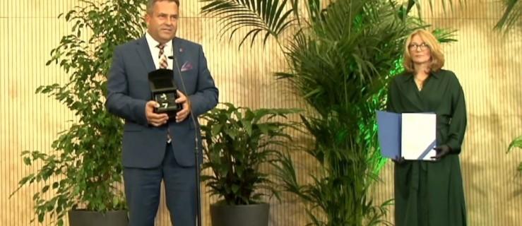 Burmistrz wrócił z Warszawy z kolejną nagrodą dla Jarocina - Zdjęcie główne