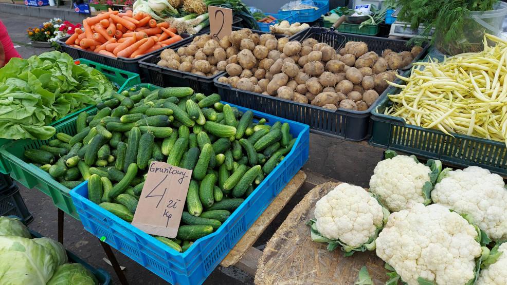 Najnowsze ceny z jarocińskiego targowiska. Warzywa i owoce coraz tańsze [ZDJĘCIA] - Zdjęcie główne