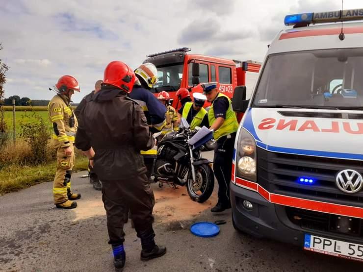 Wypadek. Zderzenie motocyklisty z nissanem   - Zdjęcie główne