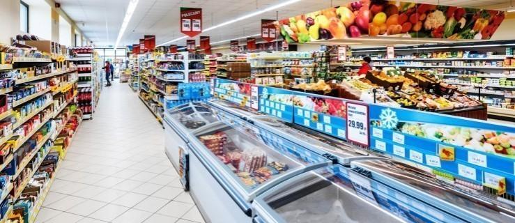 Godziny otwarcia marketów w Jarocinie. Gdzie robić zakupy? [SPRAWDŹ]  - Zdjęcie główne