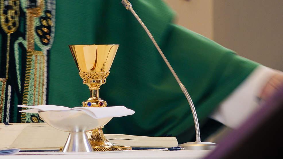 Większe limity w kościołach i koniec dyspensy dla wiernych - Zdjęcie główne