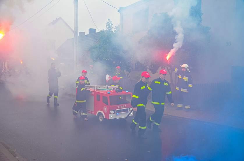 Racami przywitano miniaturowego strażackiego mercedesa [ZDJĘCIA] - Zdjęcie główne