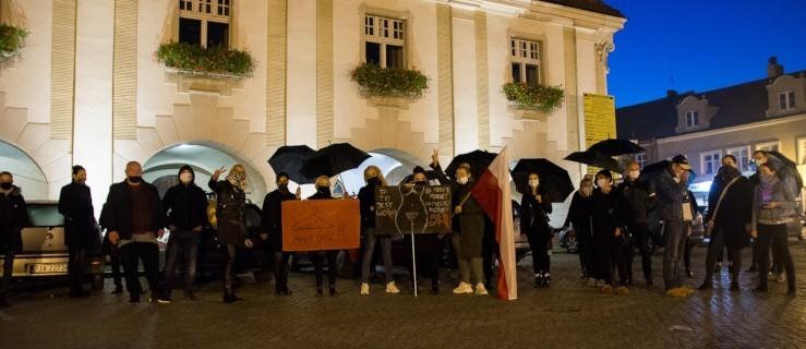Burmistrz, radna PiS, europarlamentarzystka, były poseł komentują wyrok Trybunału Konstytucyjnego    - Zdjęcie główne