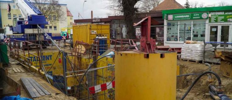 Jarocin. Budują ogromny zbiornik w ciągu ulicy Wolności  GALERIA - Zdjęcie główne