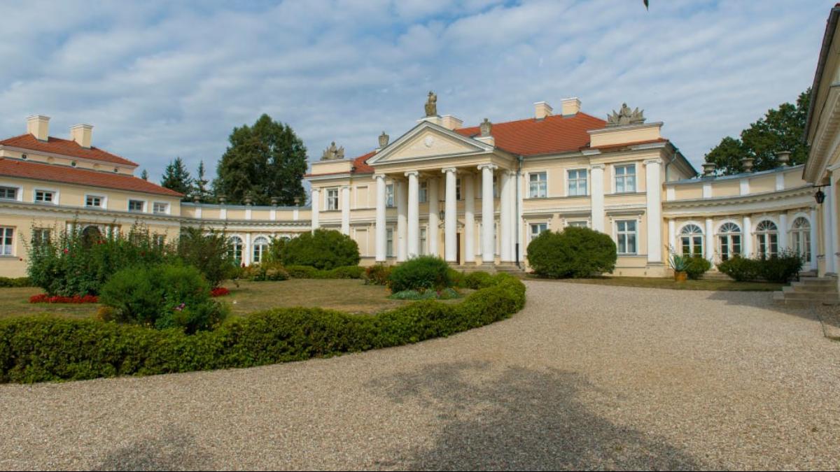 Pałac w Śmiełowie zostanie odkupiony. Kto będzie jego właścicielem? Czy Chełkowscy powrócą do swojej posiadłości? - Zdjęcie główne