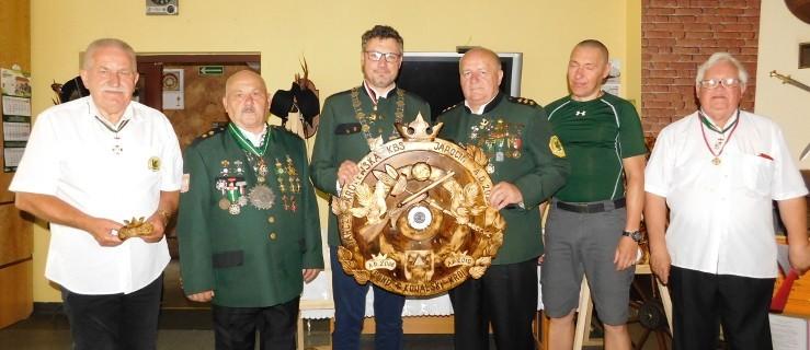 Nowy król i prezes w Kurkowym Bractwie Strzeleckim w Jarocinie - Zdjęcie główne