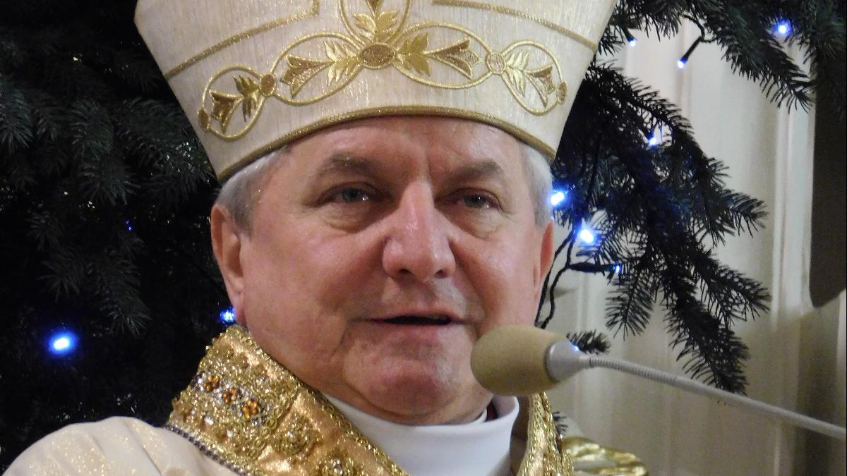 Biskup Edward Janiak nie wróci do diecezji kaliskiej. Są dodatkowe zakazy - Zdjęcie główne