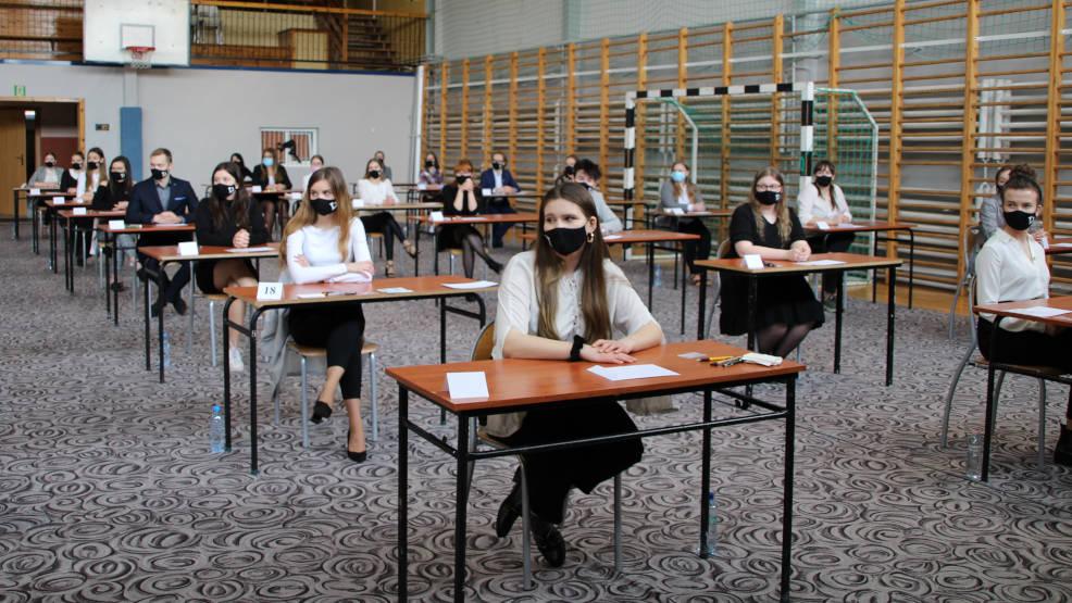 Matura 2021. Egzamin z języka polskiego łatwiejszy niż próbny [WIDEO] - Zdjęcie główne
