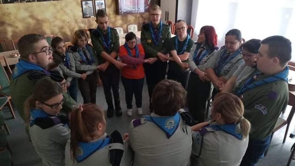 Rozpoczęcie roku harcerskiego i Dzień Pieczonego Ziemniaka w ZSS w Jarocinie - Zdjęcie główne