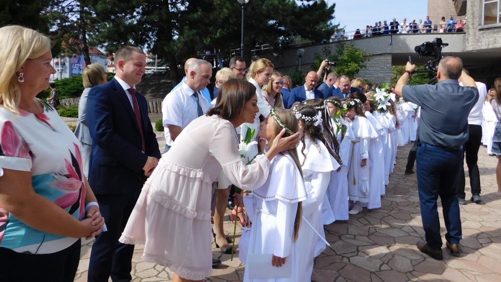Dzieci w kościele, rodzice na zewnątrz. Jak będą wyglądać w tym roku Pierwsze Komunie Święte? - Zdjęcie główne
