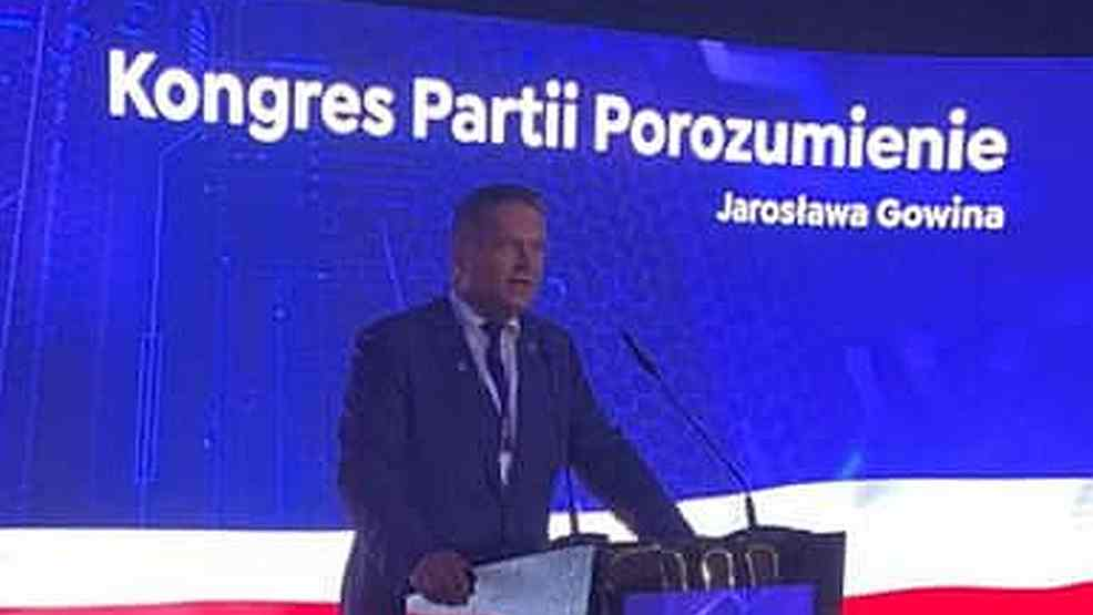 Co lokalni działacze sądzą o wejściu do zarządu Porozumienia burmistrza Adama Pawlickiego?  - Zdjęcie główne
