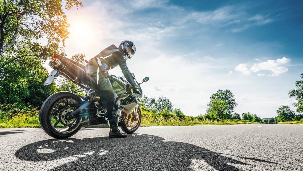 Mieszkańcy Jarocina skarżą się na wyścigi motocyklistów. Czy policja ma zgłoszenia?   - Zdjęcie główne