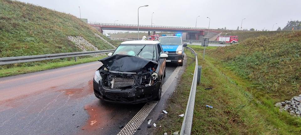 Zderzenie dwóch aut na obwodnicy Jarocina [ZDJĘCIA] - Zdjęcie główne