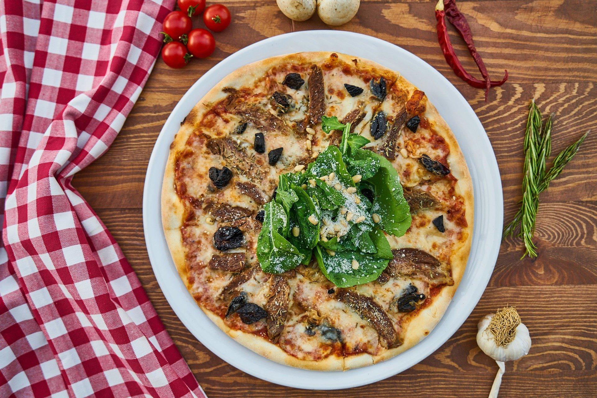 Pizza w Jarocinie i okolicy - prawie 20 pizzerii w powiecie jarocińskim - Zdjęcie główne