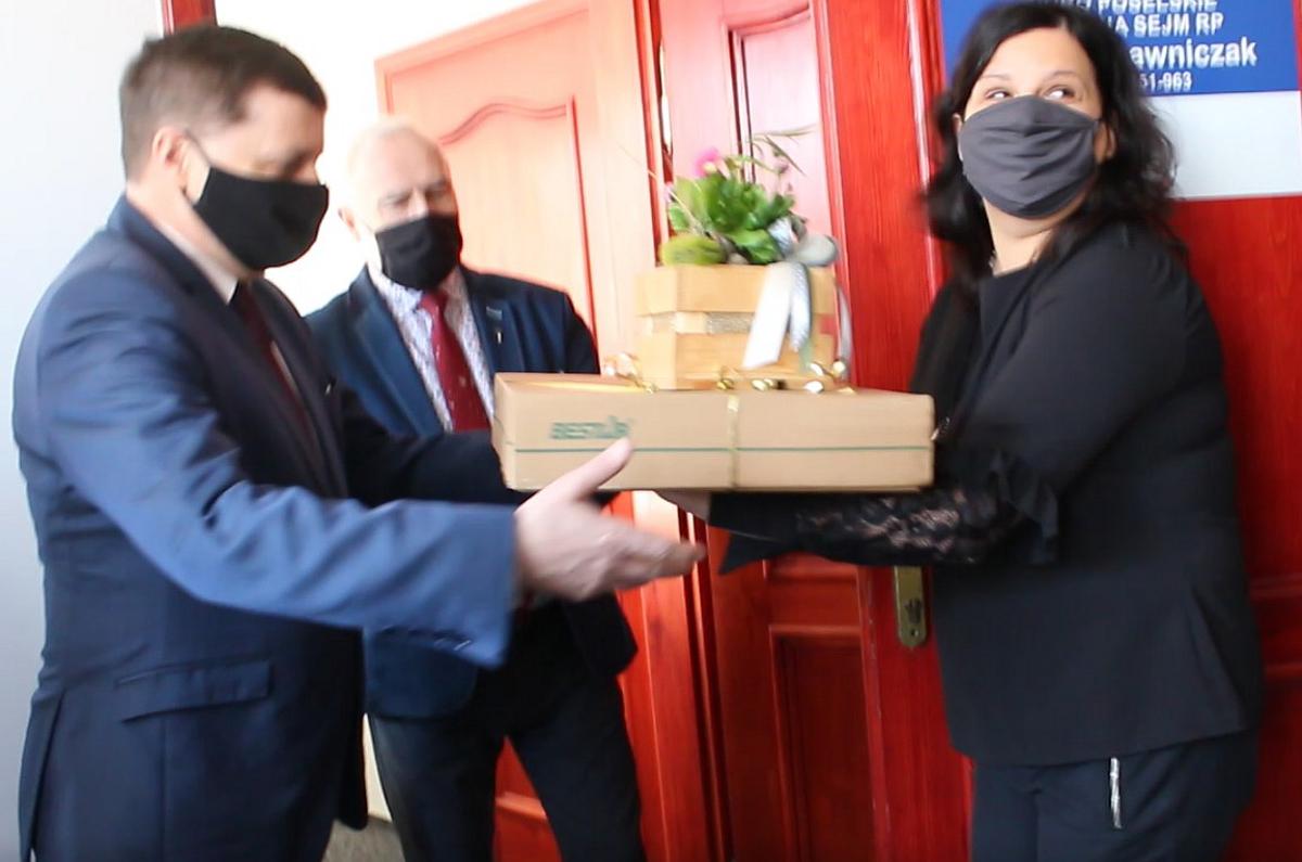 Jarocin. Poseł Tomasz Ławniczak otworzył biuro poselskie Prawa i Sprawiedliwości - Zdjęcie główne