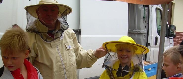 Pszczoły mocno zainteresowały wszystkich trzecioklasistów - Zdjęcie główne