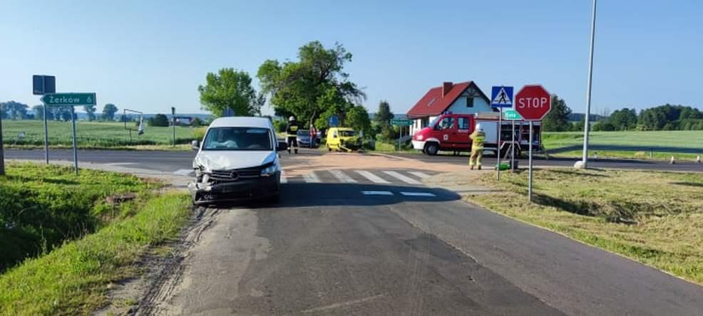 Nissanem wymusił pierwszeństwo. Zderzenie na skrzyżowaniu w Radlinie [ZDJĘCIA] - Zdjęcie główne