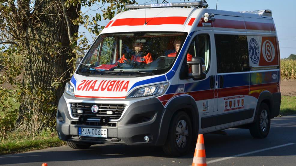 Peugeotem wymusił pierwszeństwo. Kierująca megane trafiła do szpitala  - Zdjęcie główne