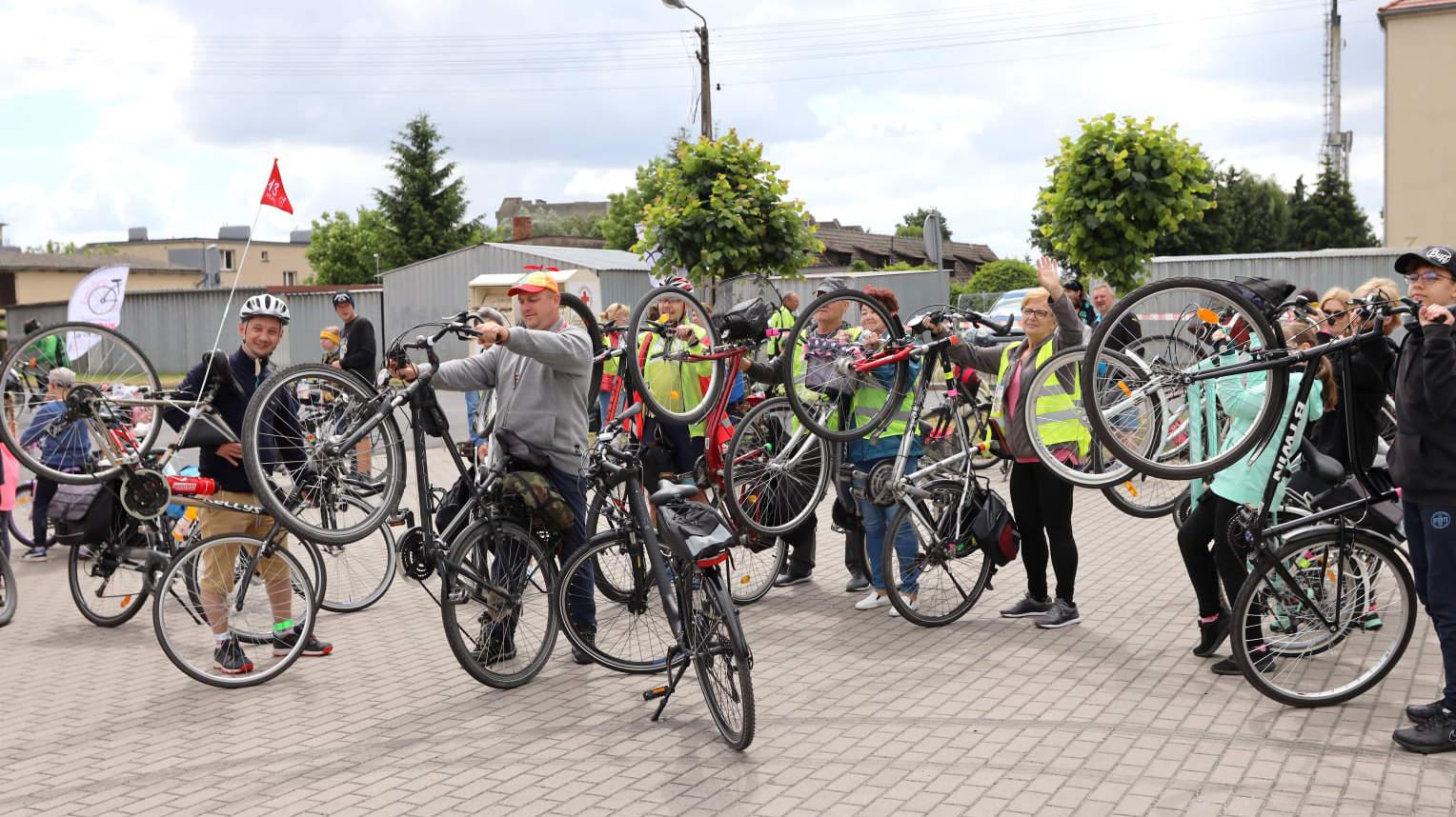 Jarocin. Na sobotni rajd z okazji otwarcia ścieżki rowerowej jest jeszcze wolnych kilka miejsc - Zdjęcie główne
