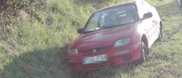 Pijany motorowerzysta wyjechał z drogi podporządkowanej pod koła mazdy  - Zdjęcie główne