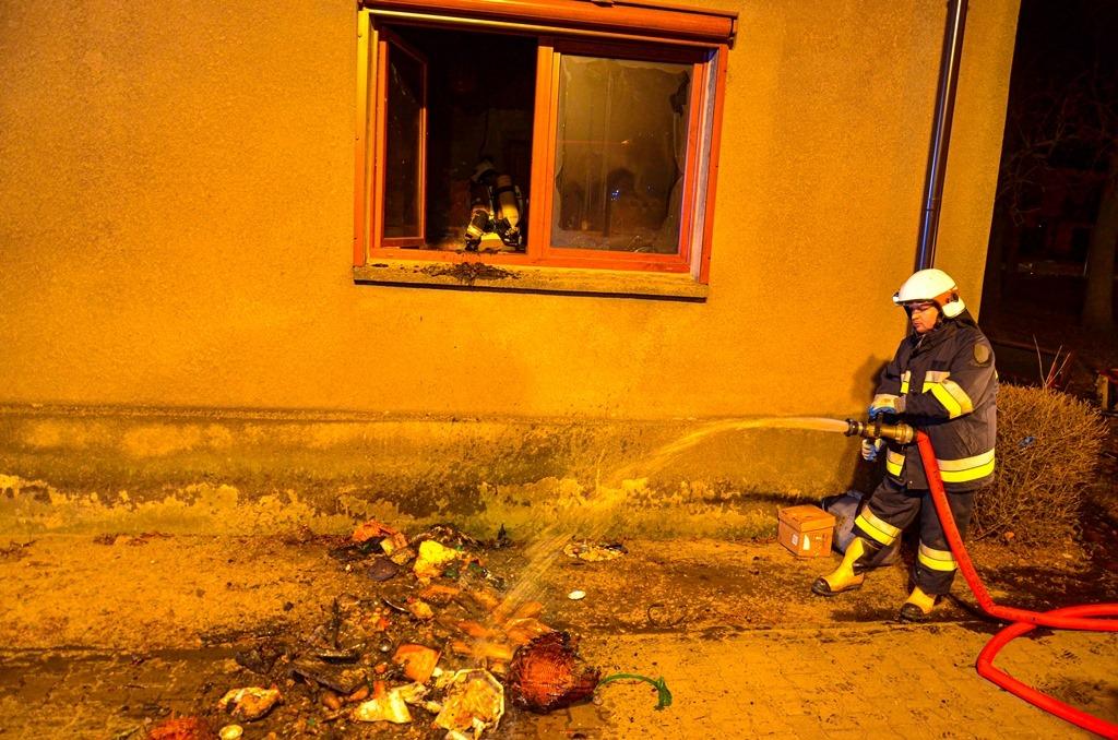 Pracowity weekend strażaków. Pożar w domu dziecka  - Zdjęcie główne