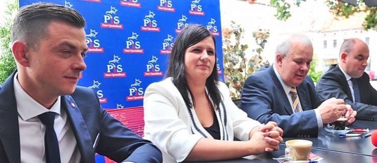 Lidia Czechak wygrała z Bartoszem Walczakiem. PiS bierze 5 mandatów - Zdjęcie główne