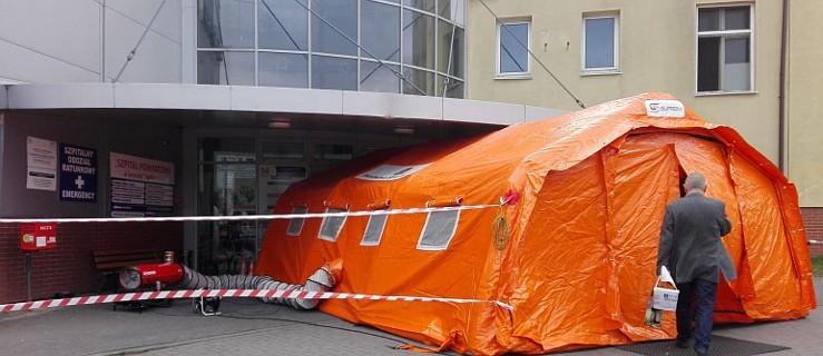 Koronawirus. Drugi namiot stanął przed szpitalem. Zmiany w przyjęciach na Wieczorynkę   - Zdjęcie główne