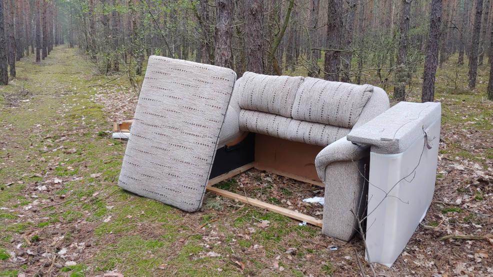 Jarocin. Stare kanapy, szafy albo telewizory - czy powinni je od nas odbierać? - Zdjęcie główne