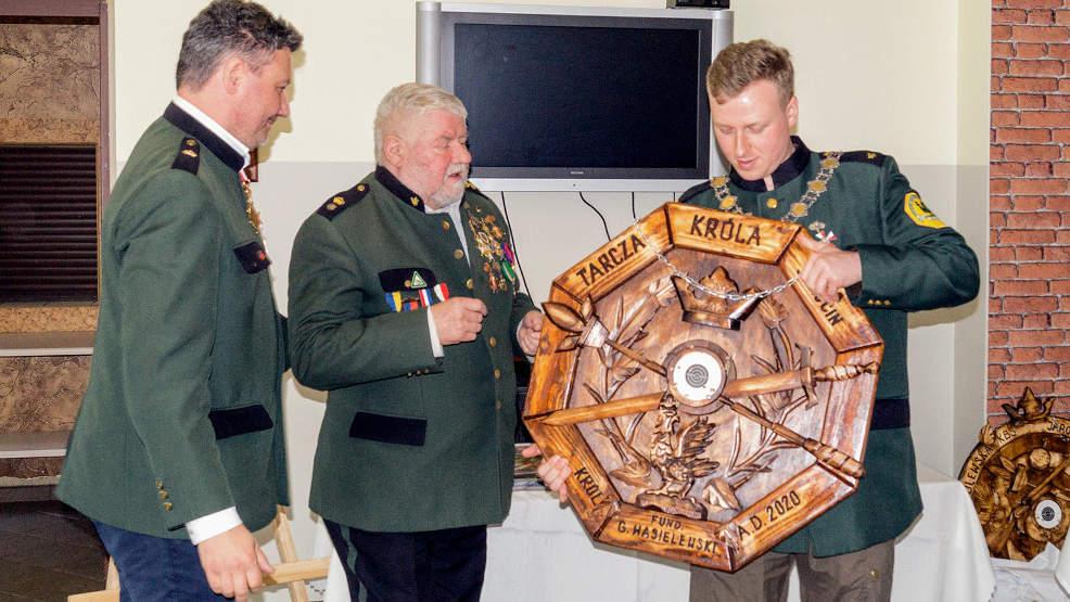 Kurkowe Bractwo Strzeleckie w Jarocinie ma nowego króla  - Zdjęcie główne