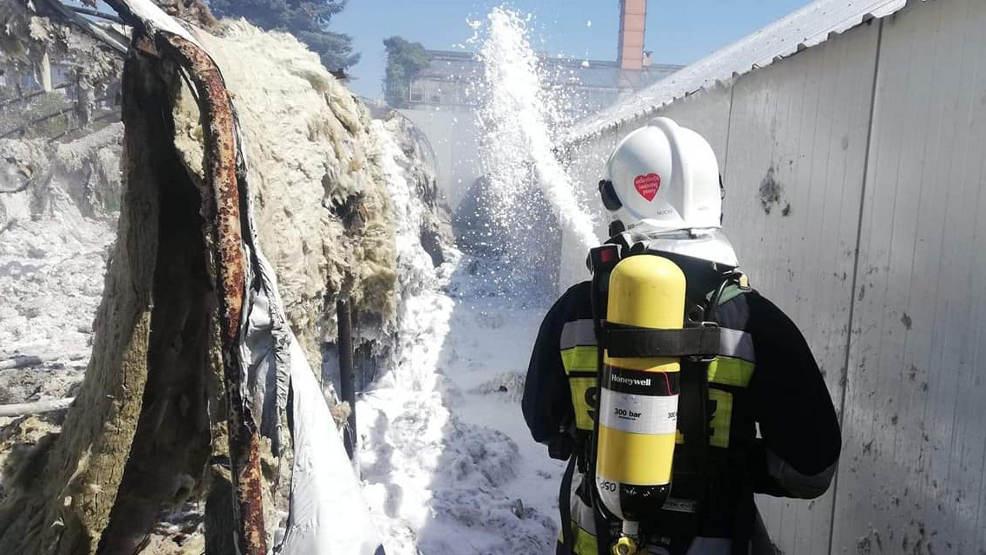 Wypadek na budowie, pożar pieczarkarni i lasu. Ponad 30 strażackich interwencji  - Zdjęcie główne