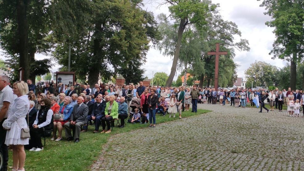 Wierni z całego dekanatu świętowali rocznicę koronacji obrazu podczas odpustu w Golinie [ZDJĘCIA, WIDEO] - Zdjęcie główne