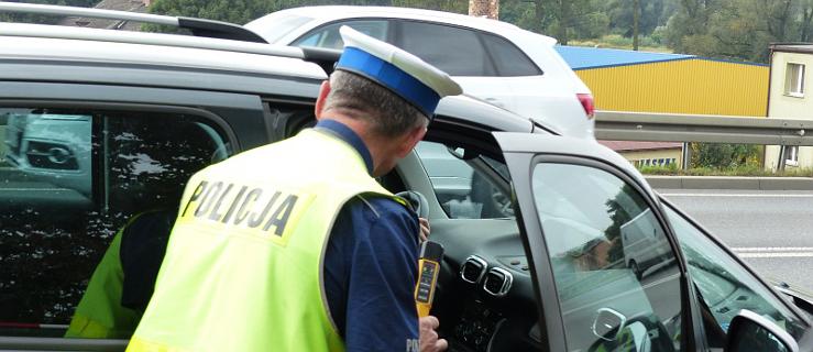 Jarocin. Pijana zatrzymała mercedesa w poprzek drogi  - Zdjęcie główne