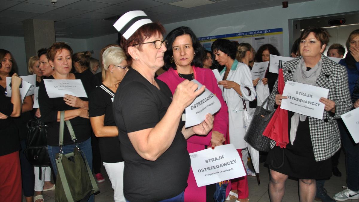 Jarocińskie pielęgniarki walczą o podwyżki. Są w sporze zbiorowym z zarządem szpitala  - Zdjęcie główne