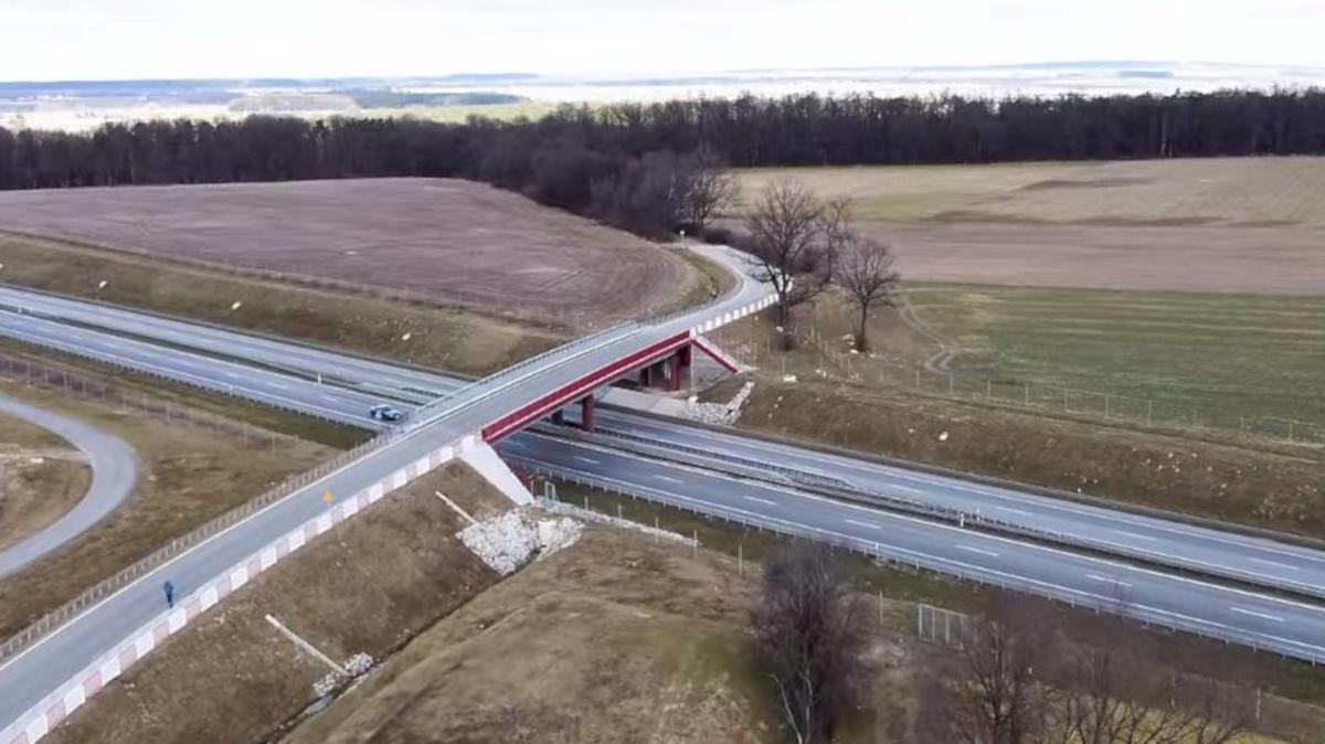 Jarocin. Gmina dostała dofinansowanie na budowę drogi, która budzi kontrowersje - Zdjęcie główne