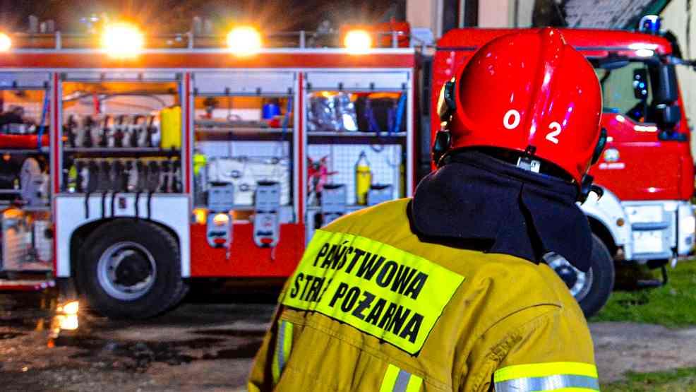 Strażacy wyrwali ze ściany automat do gry na polecenie służby celnej - Zdjęcie główne