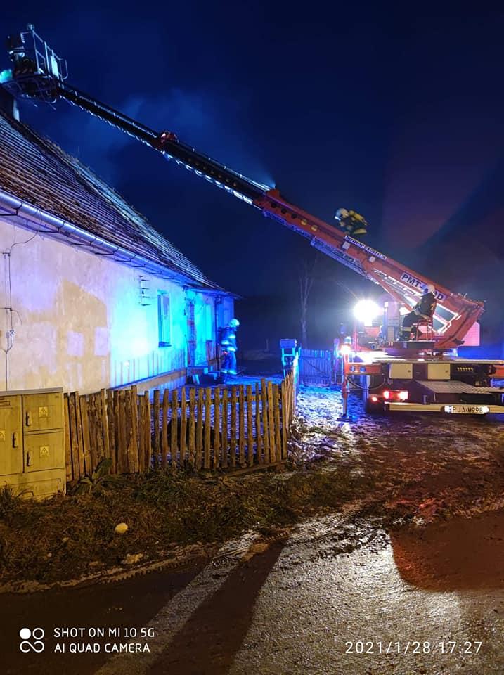 Pożary, interwencje w szpitalu i błoto na jezdni - to zdarzenia, do których dysponowano strażaków ostatniej doby. - Zdjęcie główne